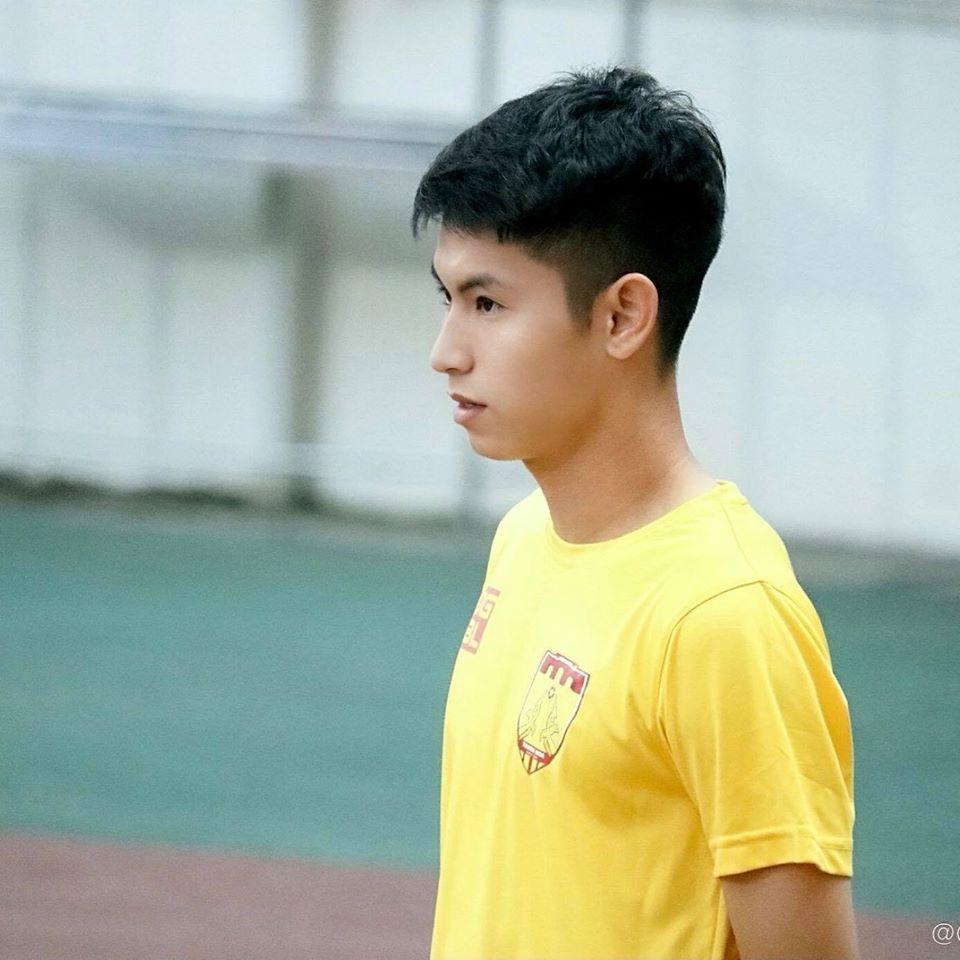 Chuyện chưa kể về hot boy mới nổi của U22 Việt Nam tại SEA Games 30 - 5
