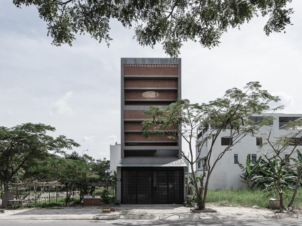 """Cận cảnh căn nhà ở TP HCM lọt """"top"""" những thiết kế ấn tượng thế giới 2019 - 1"""