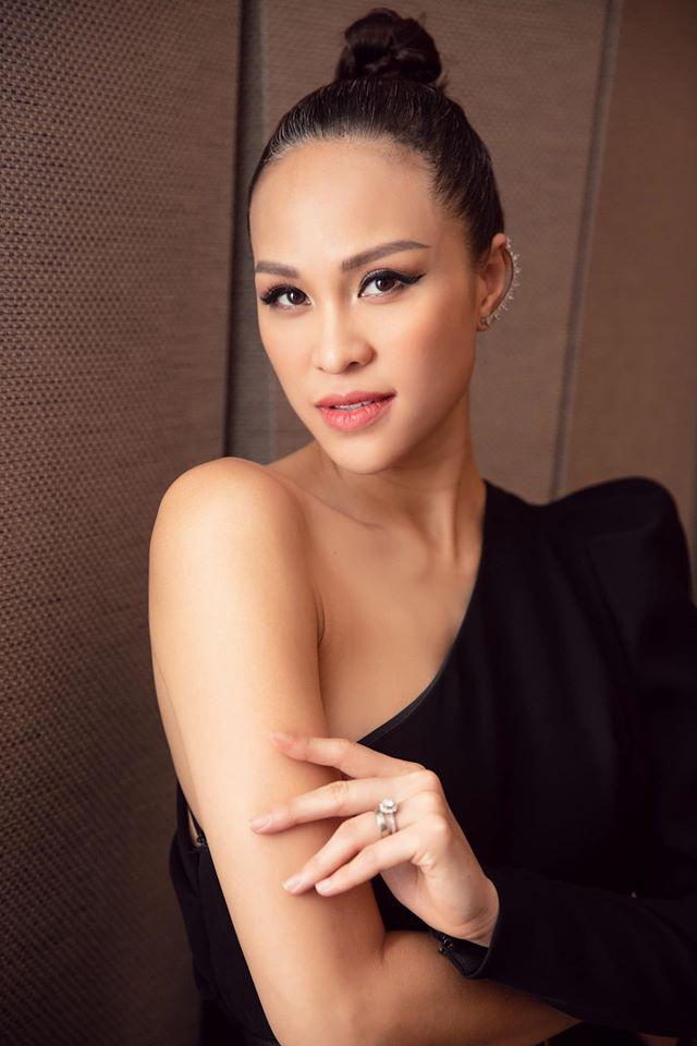 Hạnh phúc đáng ngưỡng mộ của 2 MC Việt xinh đẹp lấy chồng Tây năm 2019 - 5