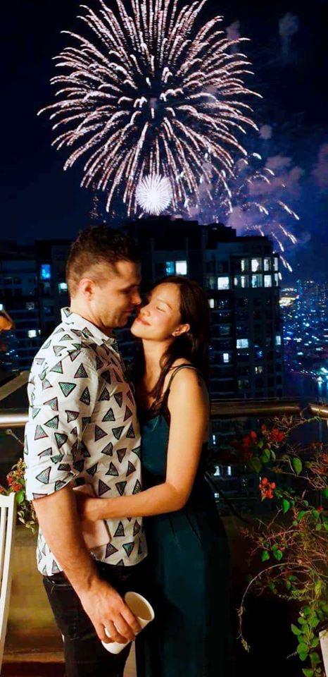 Hạnh phúc đáng ngưỡng mộ của 2 MC Việt xinh đẹp lấy chồng Tây năm 2019 - 7