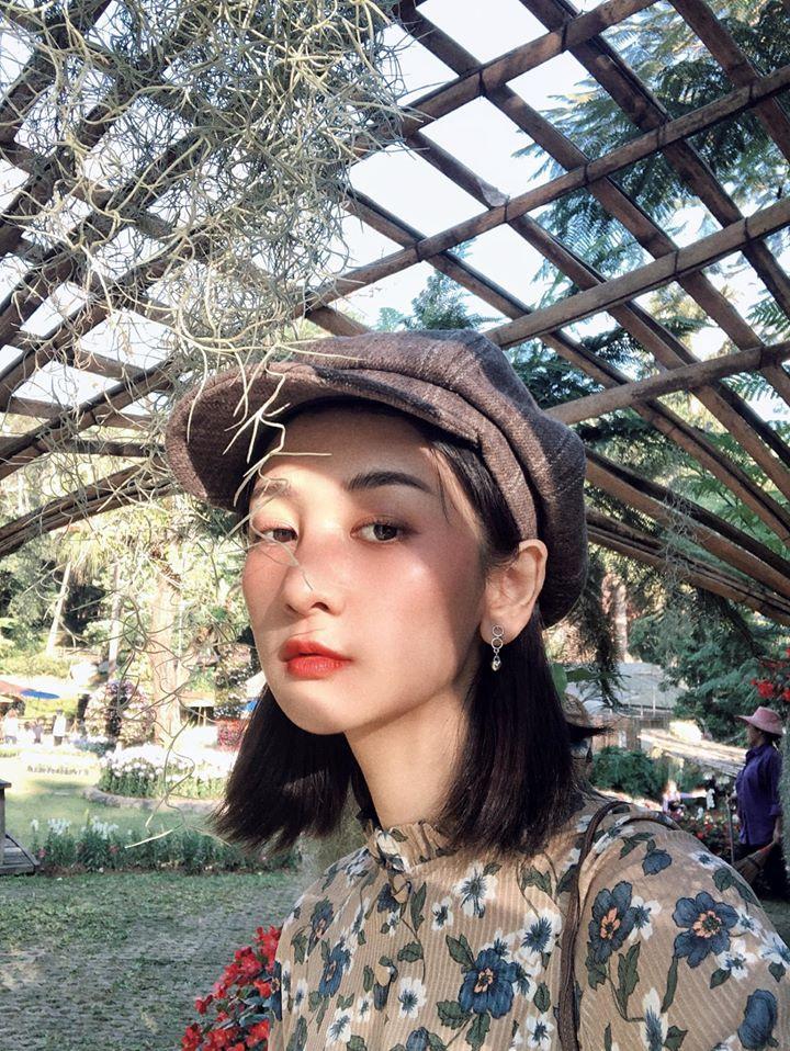 Nữ trợ lý phiên dịch xinh đẹp của U23 Việt Nam ở Thái Lan - 8