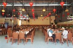 Cửa hàng vắng khách, lái xe đón khách Trung Quốc thất nghiệp hàng loạt