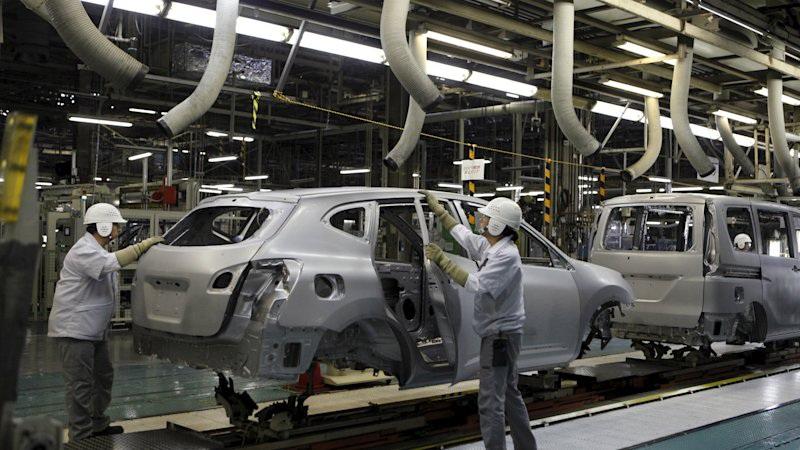 Nissan tạm ngừng sản xuất tại Nhật do dịch corona - 1