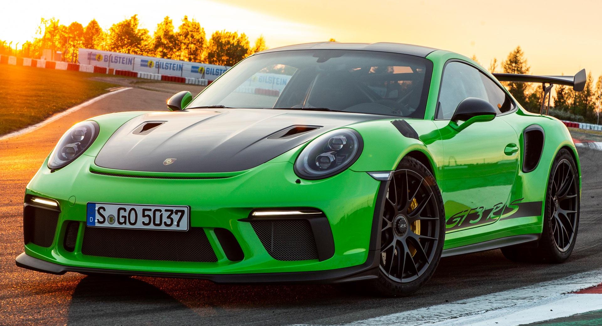 Nhân viên đại lý Porsche lớn nhất Mỹ lĩnh án 6,5 năm tù vì lừa tiền đặt cọc - 1