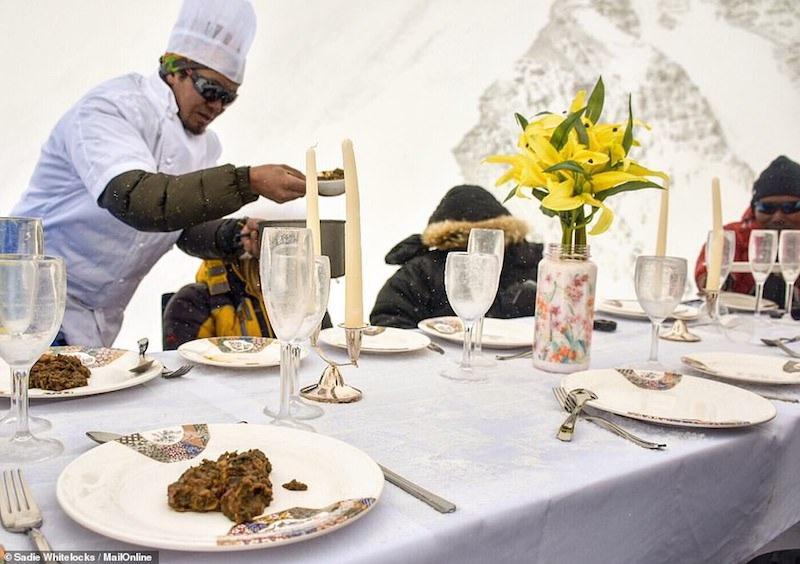 Kỷ lục Guinnes dành cho bữa tiệc sang trọng cao nhất thế giới - 7