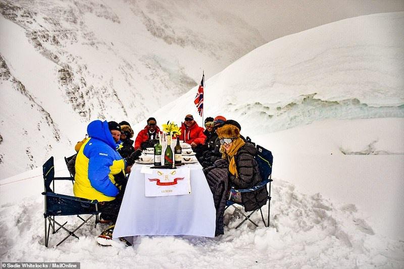 Kỷ lục Guinnes dành cho bữa tiệc sang trọng cao nhất thế giới - 8
