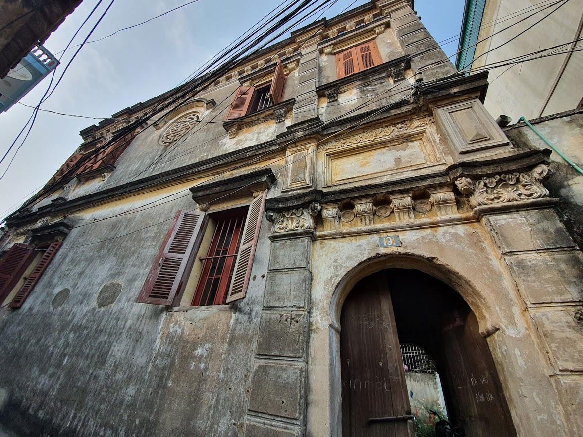 Căn biệt thự Pháp cổ 100 tuổi của đại gia làng miến nức tiếng Hà Nội xưa - 3