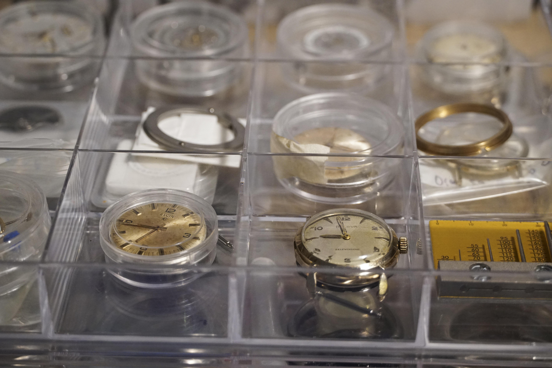 Độc đáo nghề chạm khắc đồng hồ ở Hà Nội - 5