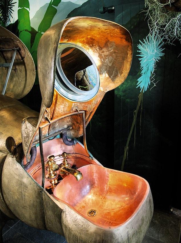 Chiêm ngưỡng nội thất phòng tắm nghệ thuật trị giá… 64 tỷ đồng - 3