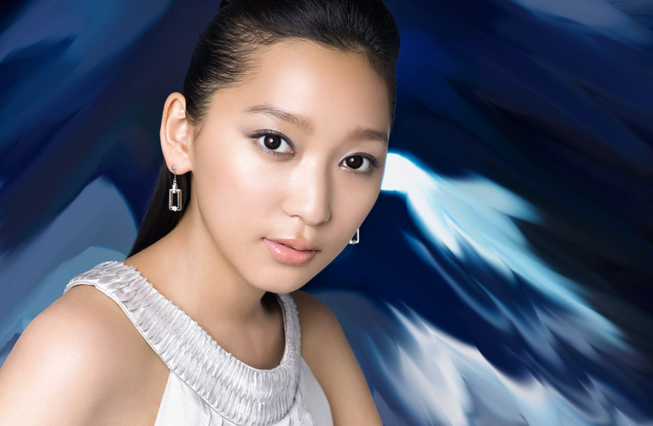 Siêu mẫu Nhật Bản bị mẹ ruột kiện, đòi bồi thường 11 triệu USD - 1