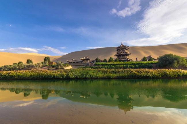 Bên trong ốc đảo 2.000 năm tuổi giữa sa mạc ở Trung Quốc - 2