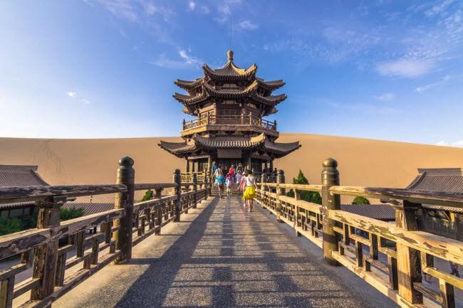 Bên trong ốc đảo 2.000 năm tuổi giữa sa mạc ở Trung Quốc - 8