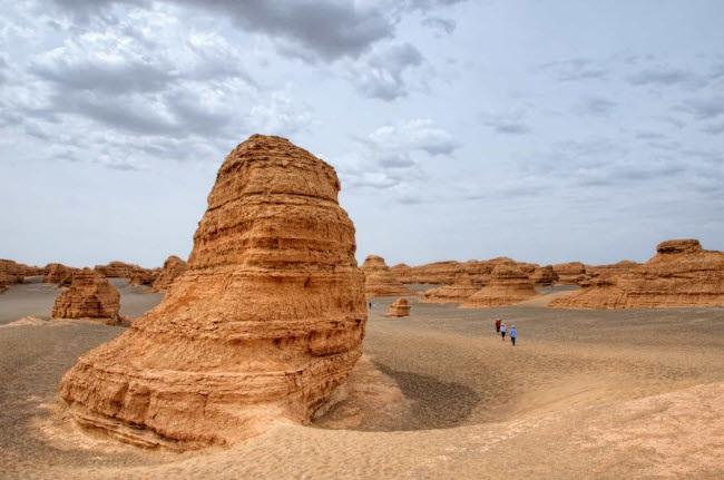 Bên trong ốc đảo 2.000 năm tuổi giữa sa mạc ở Trung Quốc - 14