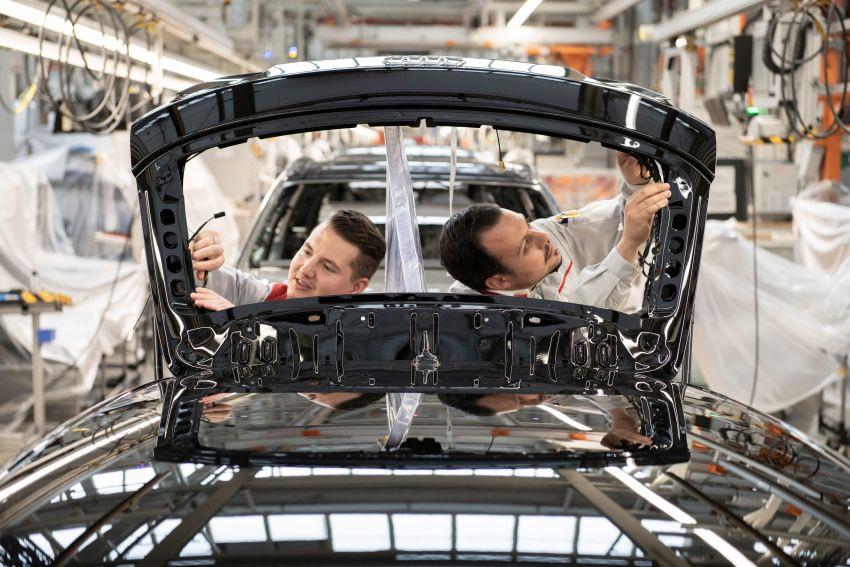 Có gì khác biệt bên trong các nhà máy ô tô mùa dịch Covid-19? - 5