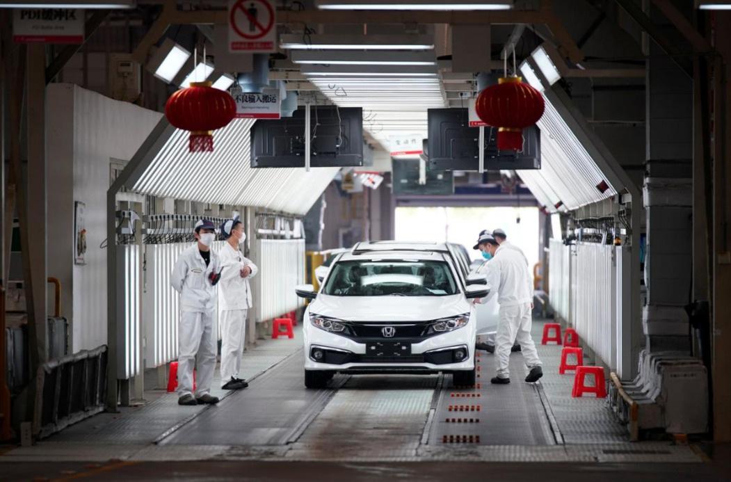 Có gì khác biệt bên trong các nhà máy ô tô mùa dịch Covid-19? - 6