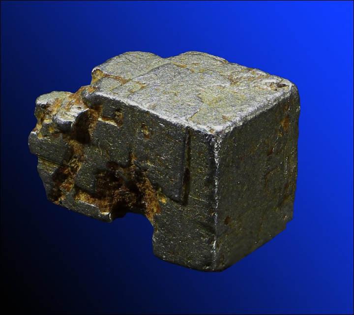 Núi kho báu chứa nhiều quặng bạch kim, vàng và kim loại có giá trị cao - 3