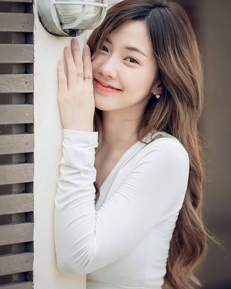 Nụ cười tỏa nắng của hot girl Thái Lan hút nửa triệu fan trên mạng xã hội - 12