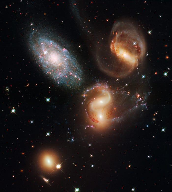 23 bức ảnh tuyệt đẹp gửi đến từ Vũ trụ - 21