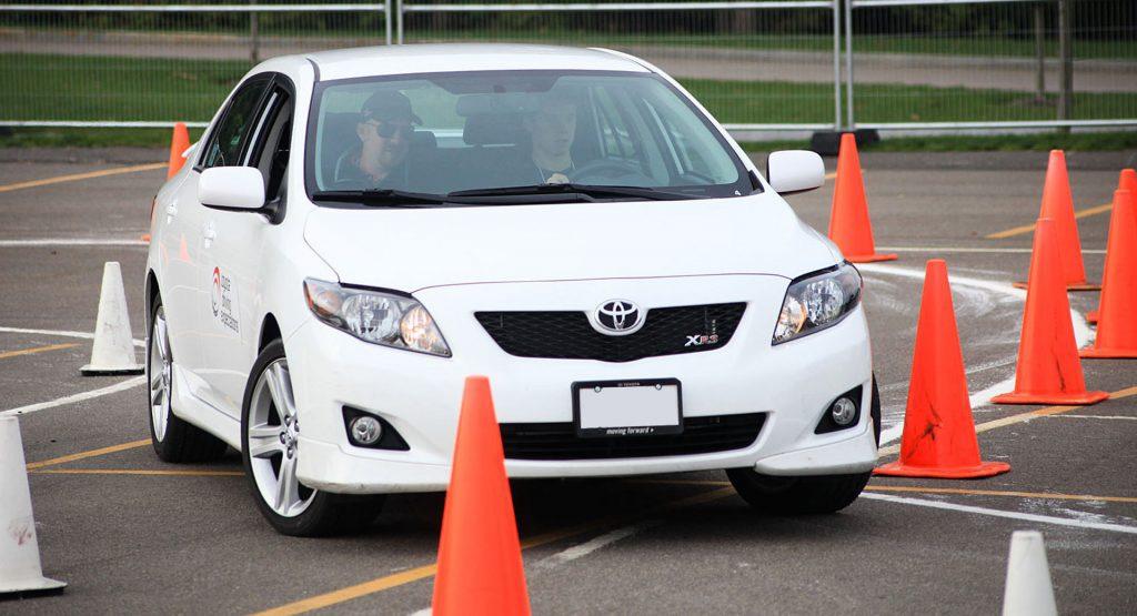 Mỹ: Tạm thời không cần thi thực hành cũng được cấp bằng lái xe - 1