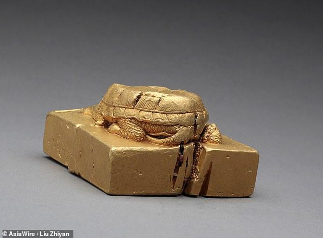 Tìm thấy ấn triện bằng vàng nguyên chất vô cùng quý hiếm, nặng gần 8kg - 1