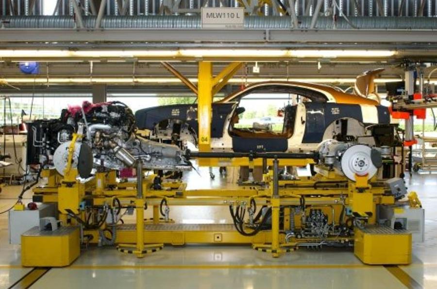Rolls-Royce là hãng xe đầu tiên tại Anh sản xuất trở lại - 1