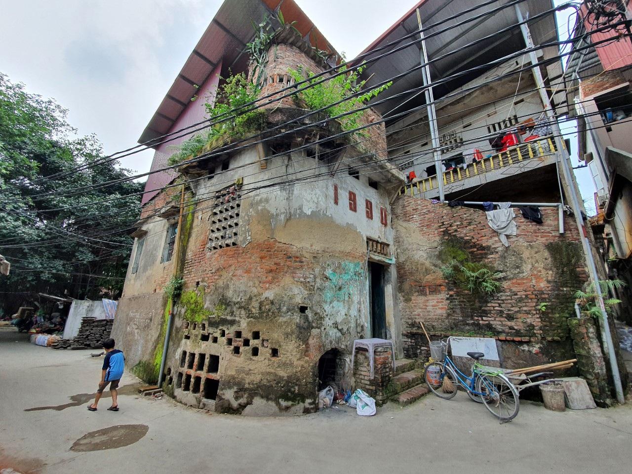 Kỳ lạ làng có những ngôi nhà xây bằng tiểu sành độc nhất ở Việt Nam - 2