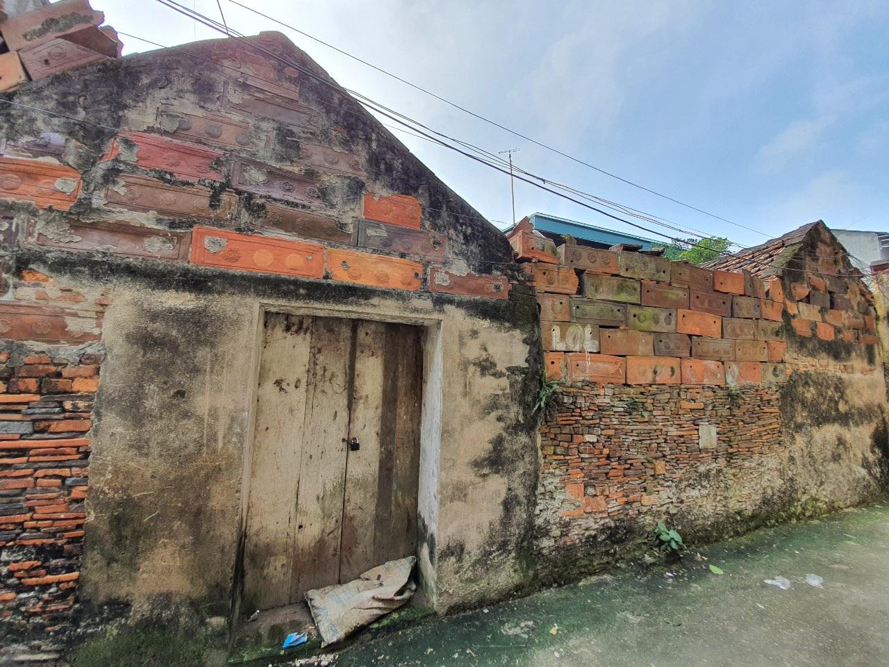 Kỳ lạ làng có những ngôi nhà xây bằng tiểu sành độc nhất ở Việt Nam - 4