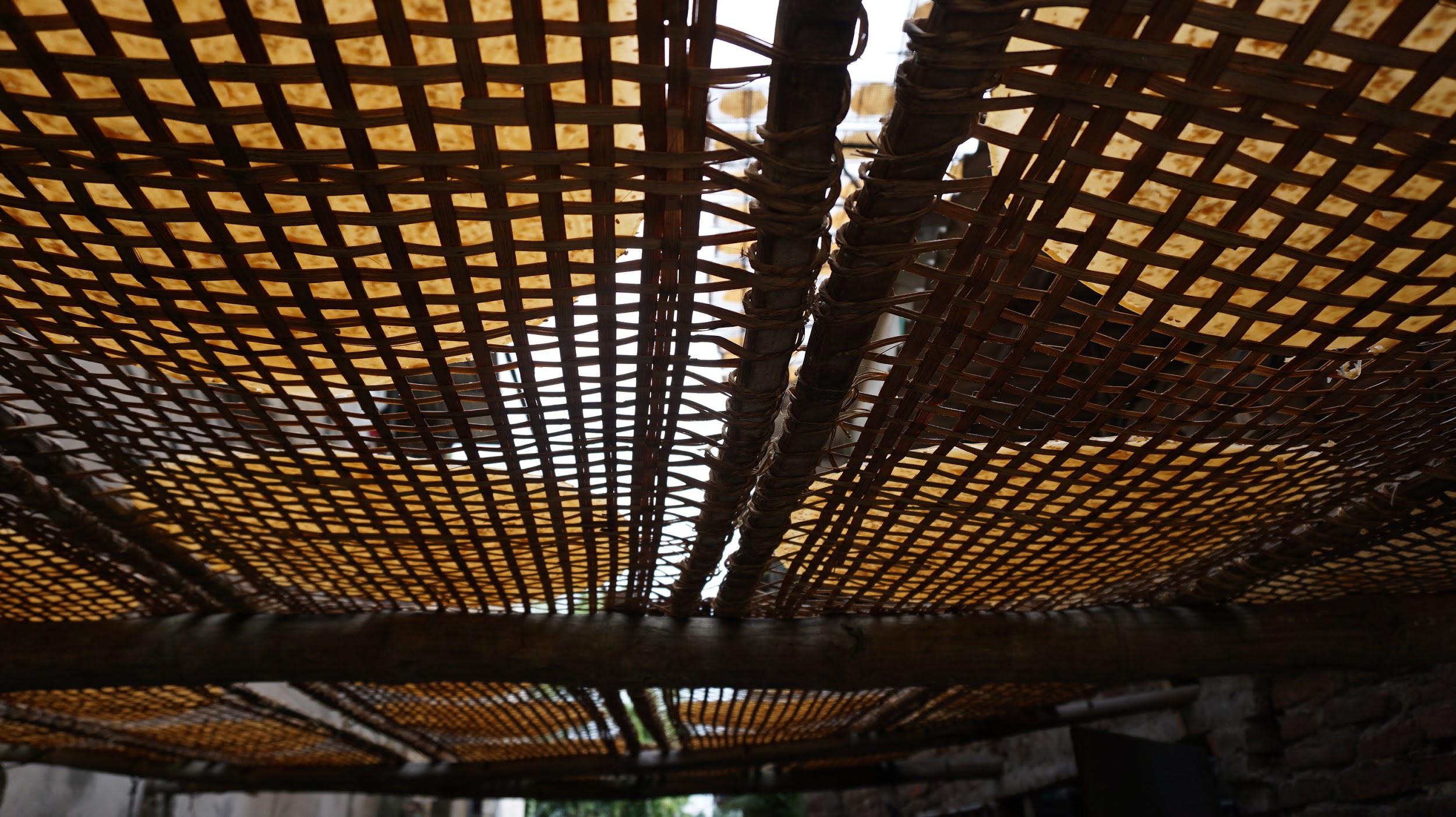 Kỳ lạ làng có những ngôi nhà xây bằng tiểu sành độc nhất ở Việt Nam - 12