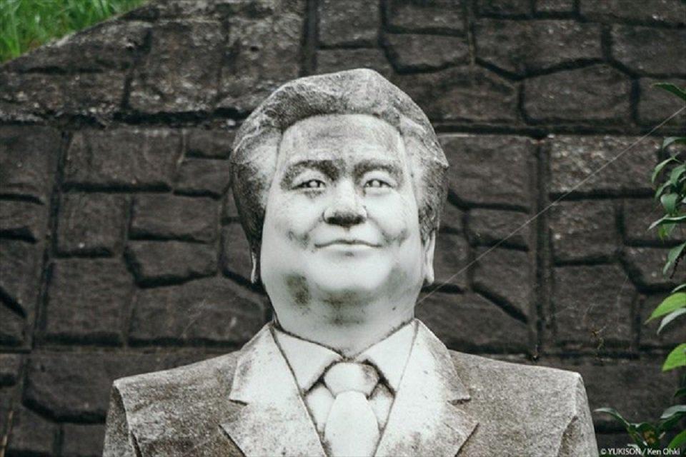 Hơn 800 bức tượng bỏ hoang gây rùng rợn, ám ảnh  Hon-800-buc-tuong-bo-hoang-gay-rung-rondocx-1588556591488