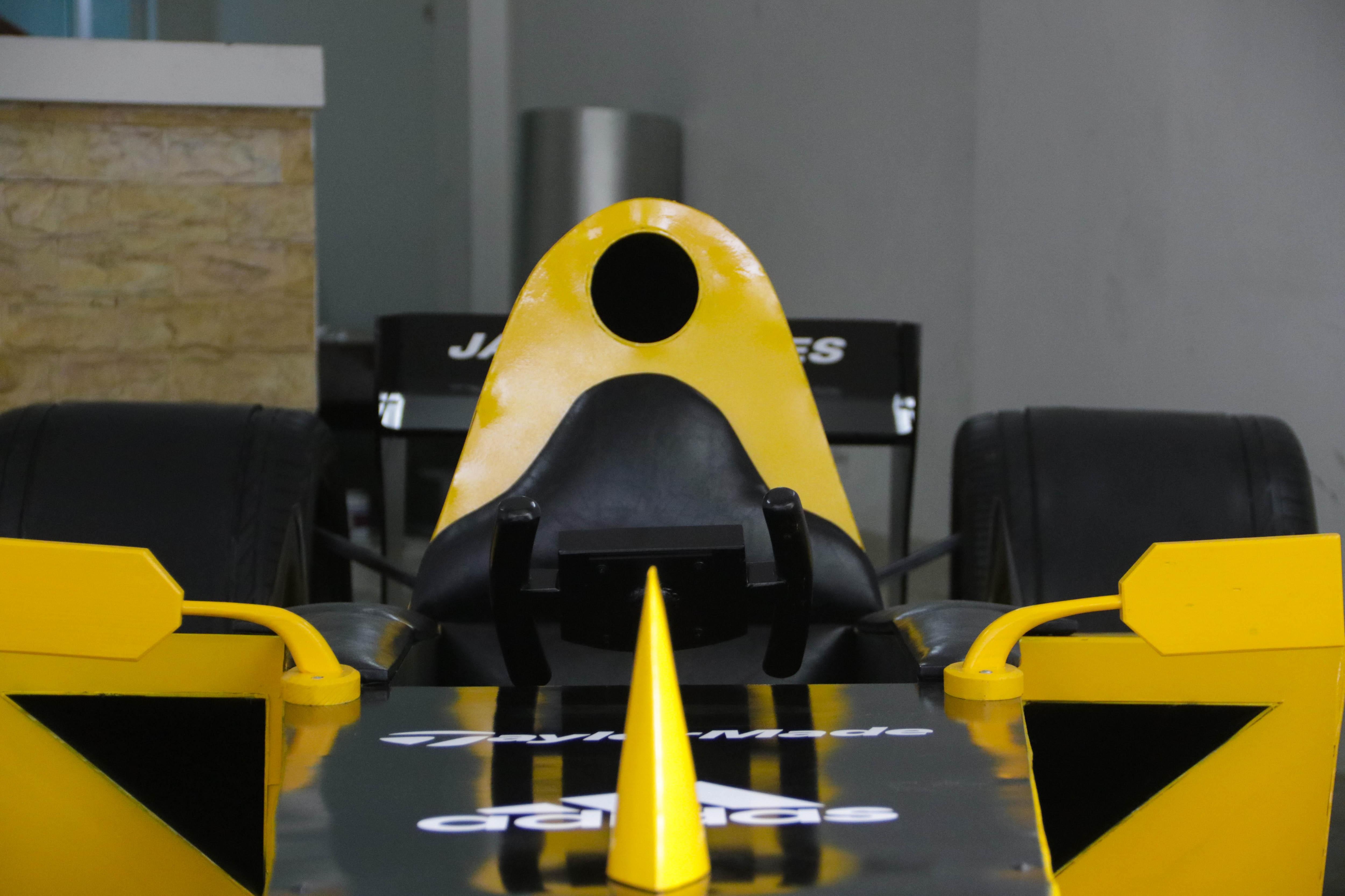 Hụt xem giải F1 tại Hà Nội, fan bỏ 50 triệu làm xe đua mô hình - 7