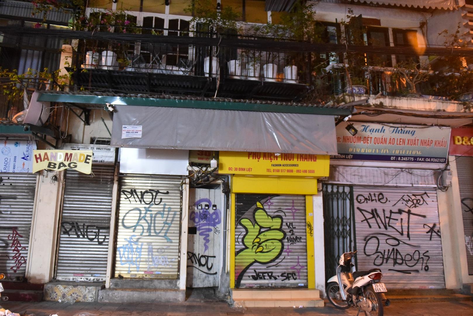 Hàng quán phố cổ thi nhau sang nhượng, đến Tạ Hiện cũng chung cảnh đìu hiu - 12