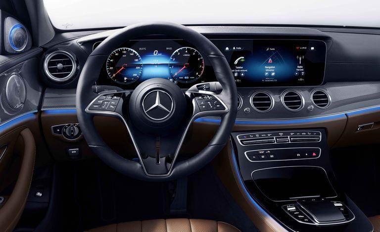 Mercedes-Benz E-Class 2021 sẽ được trang bị vô lăng cảm ứng - 2