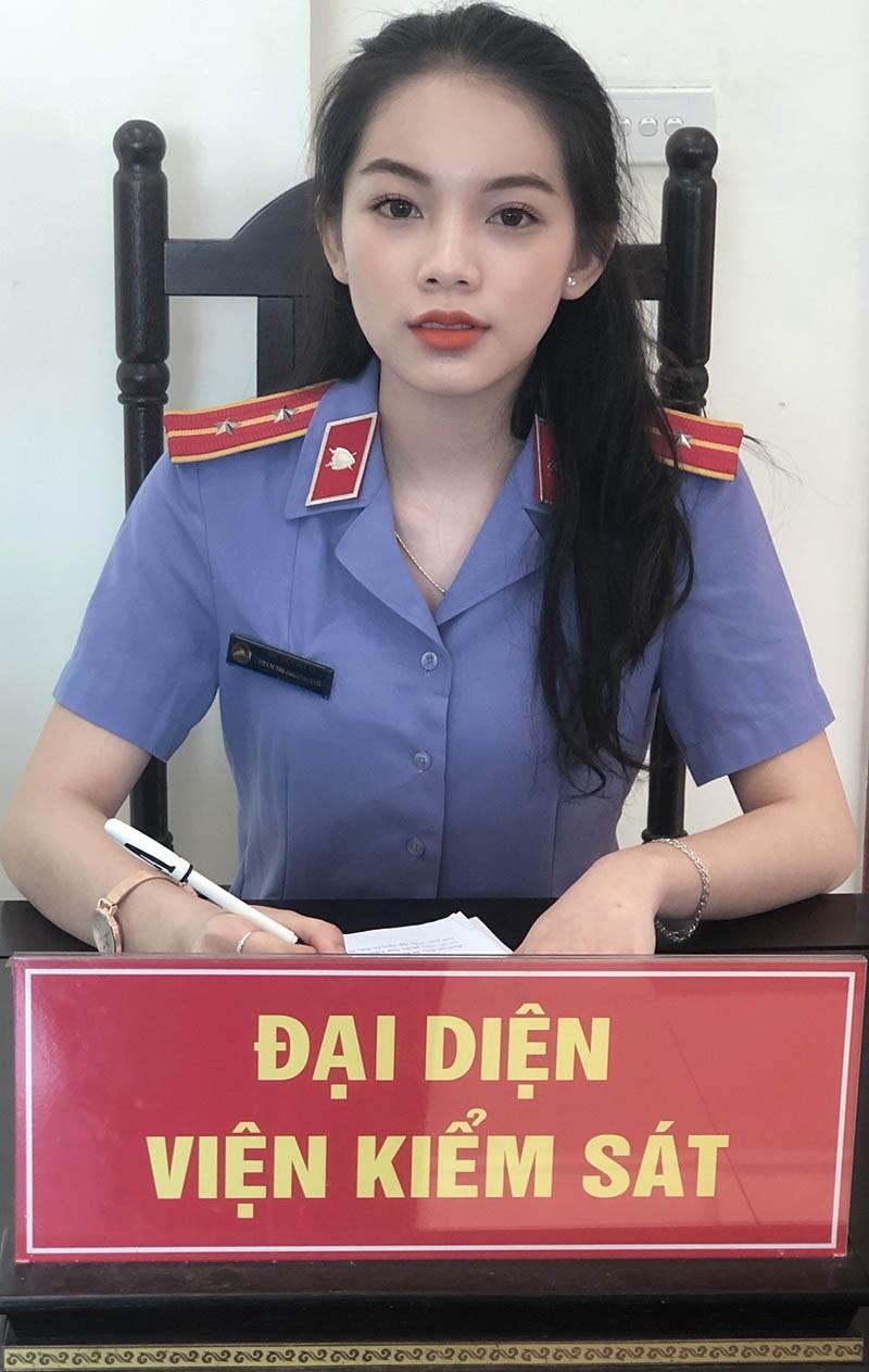 """Nữ sinh Học viện Tòa án mơ ước trở thành người """"cầm cân nảy mực"""" - 2"""