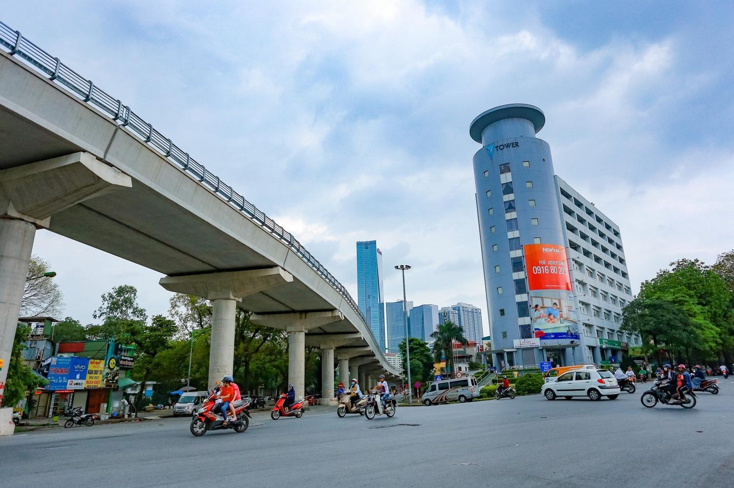 """Cận cảnh 5 tuyến đường được mệnh danh """"đắt nhất hành tinh"""" ở Hà Nội - 1"""