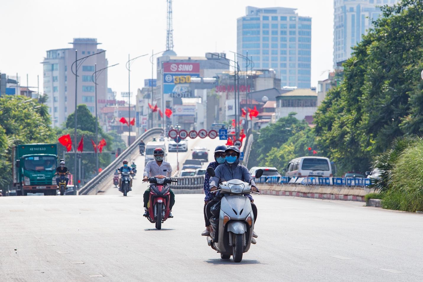 """Cận cảnh 5 tuyến đường được mệnh danh """"đắt nhất hành tinh"""" ở Hà Nội - 3"""