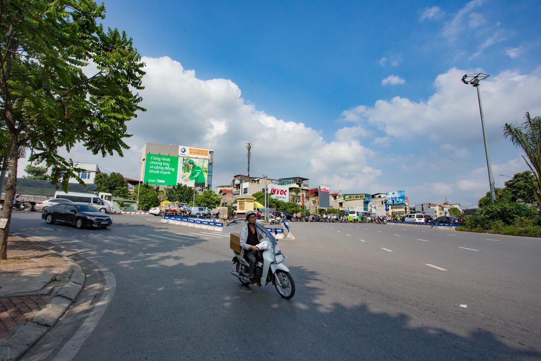 """Cận cảnh 5 tuyến đường được mệnh danh """"đắt nhất hành tinh"""" ở Hà Nội - 4"""
