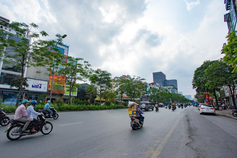 """Cận cảnh 5 tuyến đường được mệnh danh """"đắt nhất hành tinh"""" ở Hà Nội - 10"""