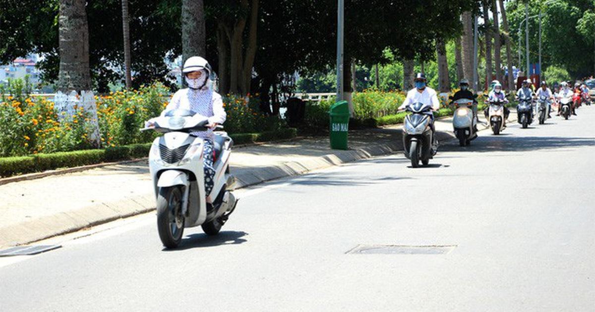 Cần lưu ý gì khi đi xe máy trong thời tiết nắng nóng? - 2