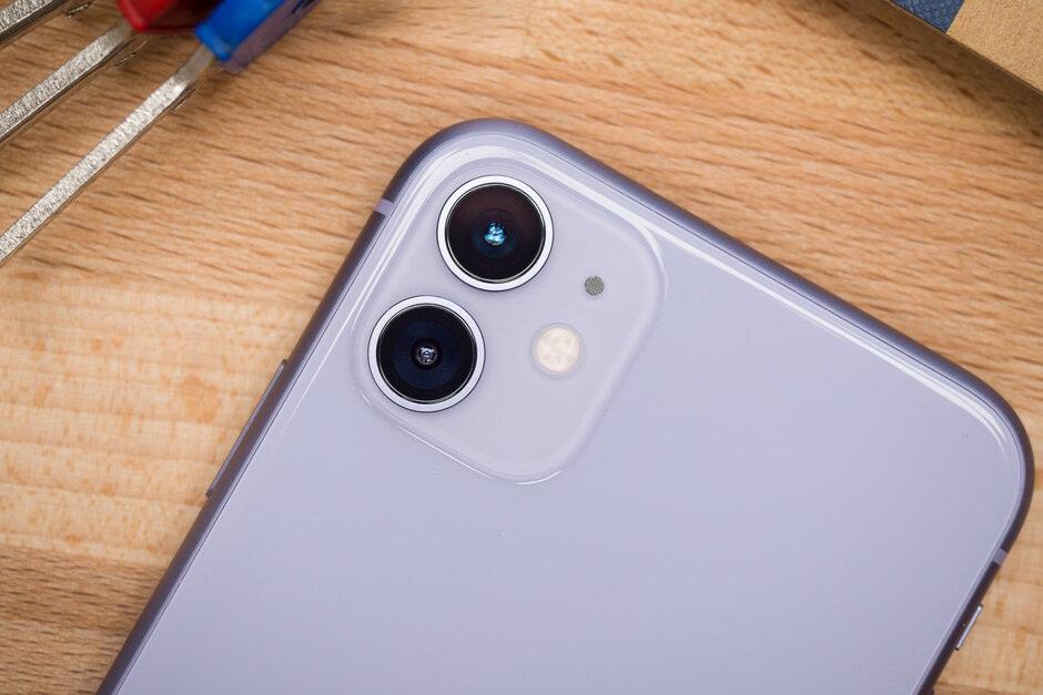 iPhone 11 soán ngôi iPhone XR, thành smartphone được yêu thích nhất - 1
