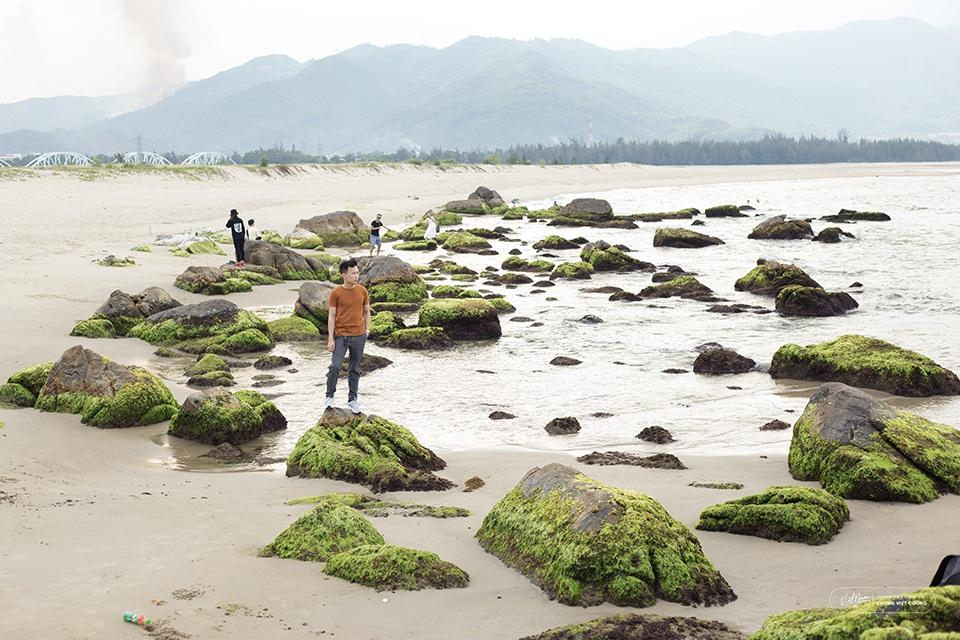 Ngẩn ngơ vẻ đẹp rạn đá Nam Ô ở Đà Nẵng - 1