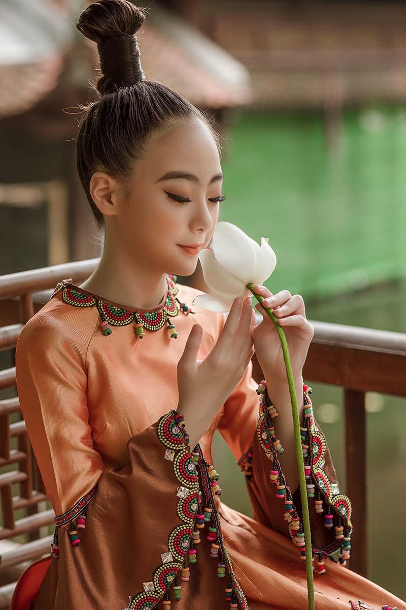 Bé gái Hà Nội xinh xắn, sở hữu thần thái chuẩn người mẫu - 4