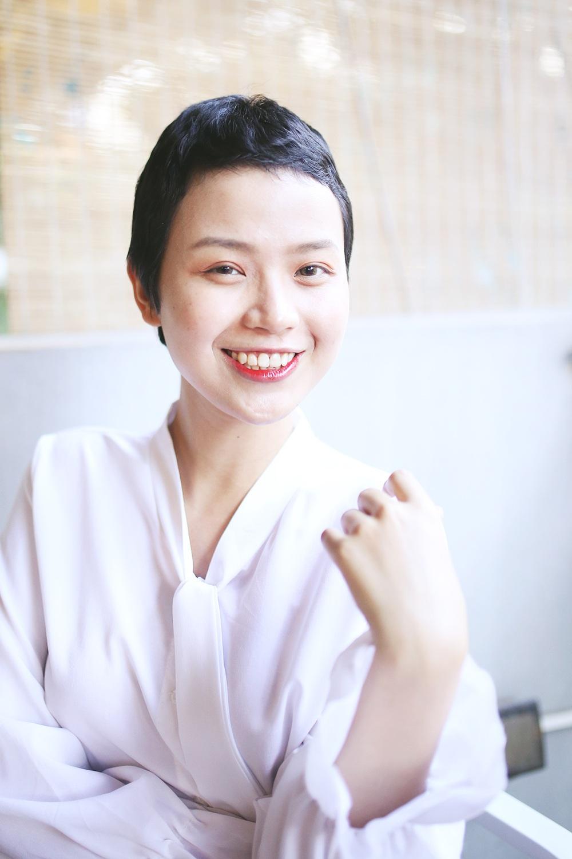 Nữ sinh Ngoại thương mắc ung thư tái xuất xinh đẹp và đầy nghị lực - 1