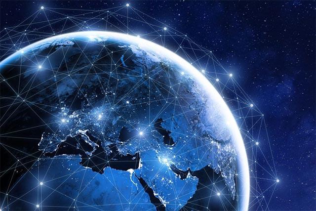 Tỷ phú Elon Musk phóng loạt vệ tinh để phủ sóng Internet trên toàn cầu - 1