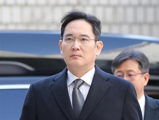 Phó chủ tịch Samsung tiếp tục bị điều tra, đối mặt nguy cơ phải trở lại tù - 1