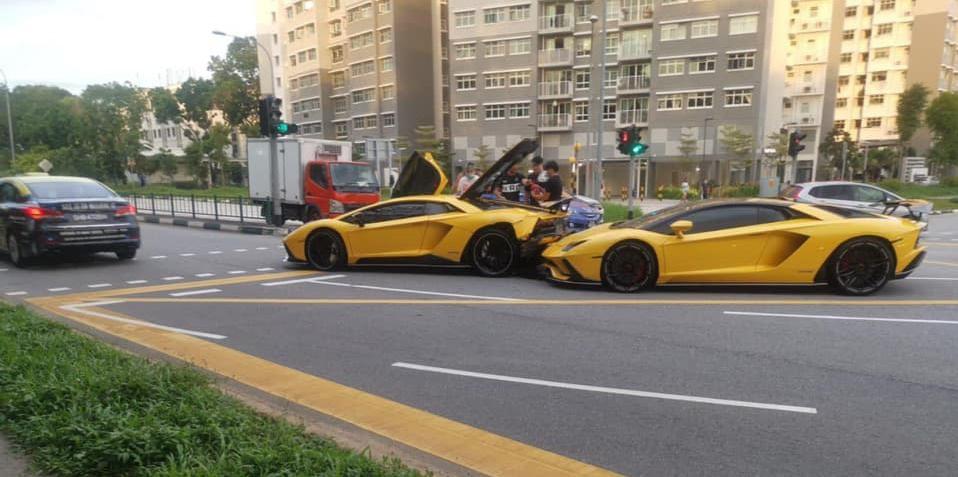 Cú va chạm triệu USD của hai chiếc Lamborghini Aventador S - 3