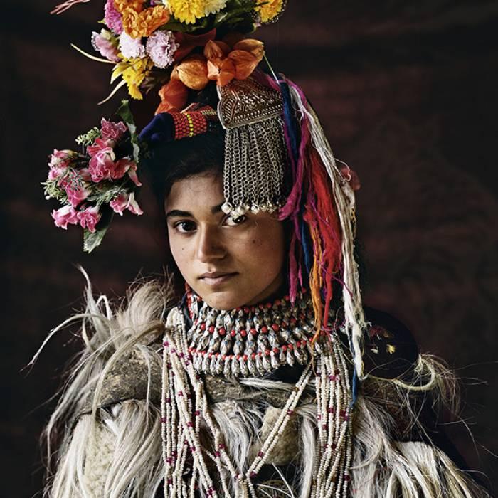 Kỳ lạ cuộc sống của bộ lạc có tập tục hôn nhau thoải mái, trao đổi vợ tự do - 2