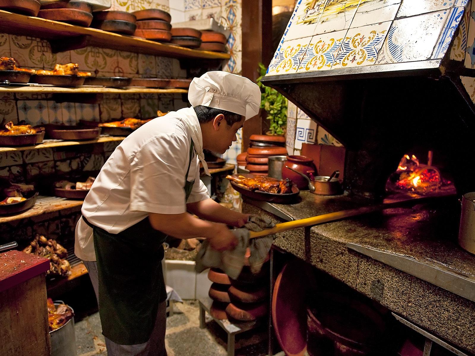 Đặc sản bên trong nhà hàng suốt 295 năm chưa bao giờ đóng cửa - 11