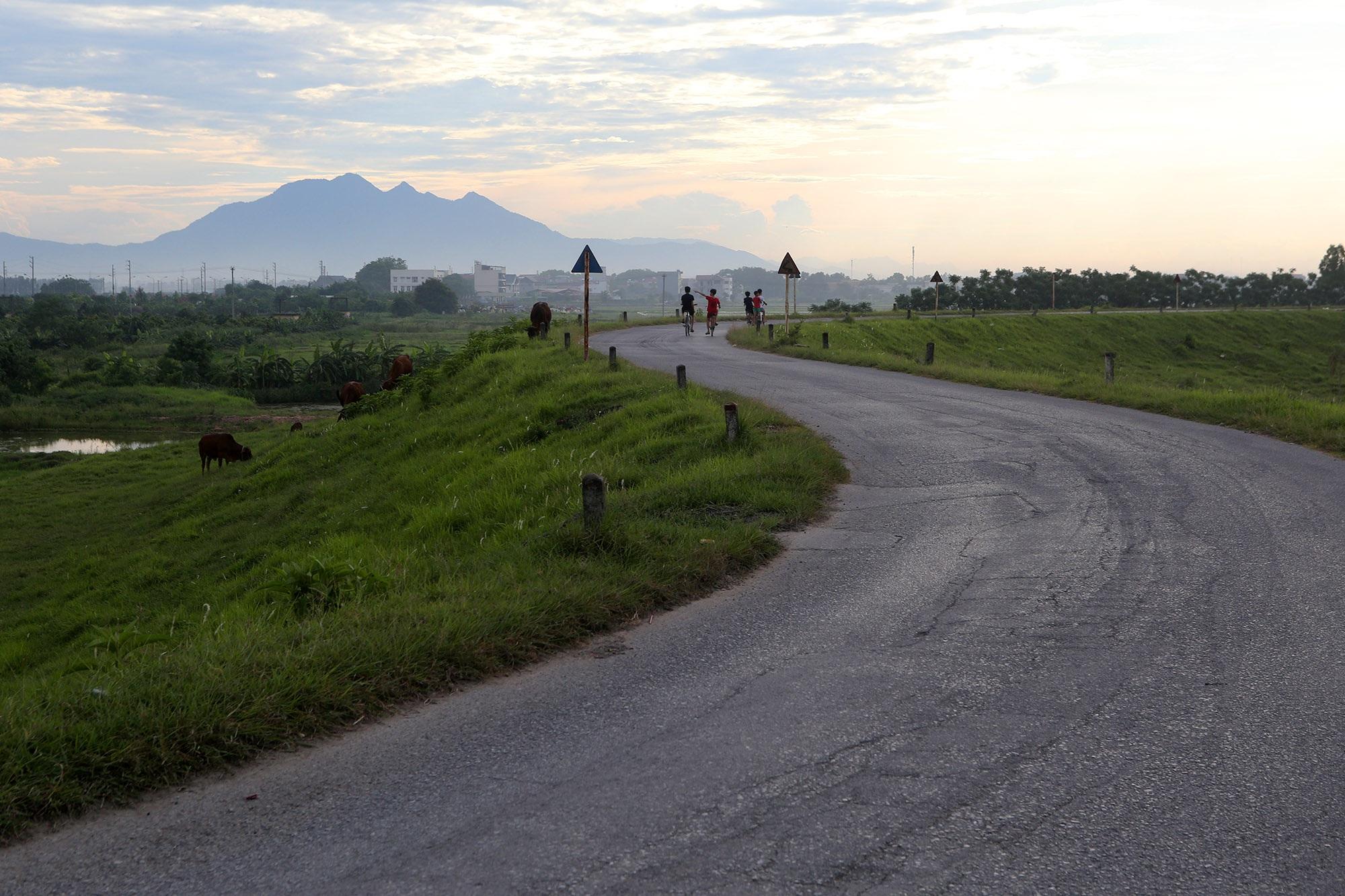 Phong cảnh bình yên nhìn từ những triền đê ở Hà Nội - 1