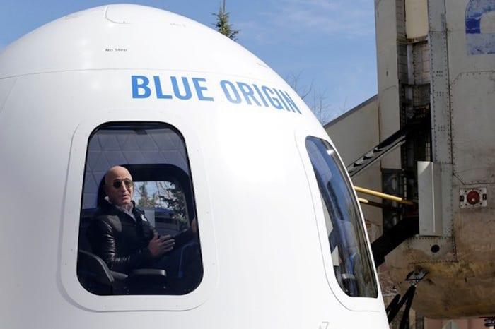 CEO Amazon Jeff Bezos: Từ tuổi thơ sóng gió tới ông chủ sở hữu 171 tỷ đô la - 5