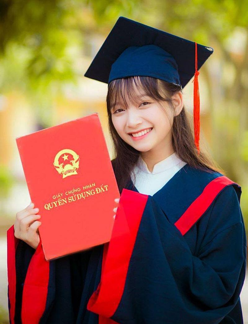 Nét đẹp dung dị của nữ sinh xứ Nghệ nổi tiếng nhờ một bức ảnh - 1